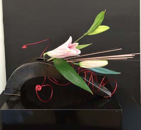 Métal et fleurs