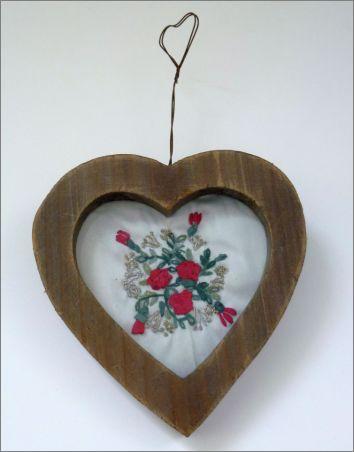 Coeur : Broderie aux rubans