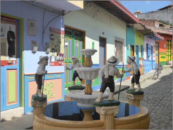Voyage 2018 avec Nelly en Colombie : fontaine